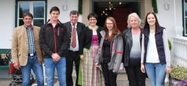 Reindl Bau in Mondsee feiert 15-Jahr-Jubiläum mit Mitarbeitern und deren Familien
