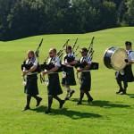 Die Salzburg Rampant Lion Pipe Band auf dem Weg zum 18-er Grün (Foto GC Drachenwand)
