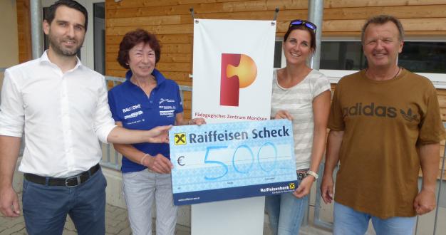 Spende der Naturfreunde Raiffeisen Mondseeland über 500 Euro