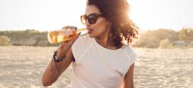 Die richtige Sonnenbrille finden – Infos zu Prüfzeichen, Sonnenschutz und Co.